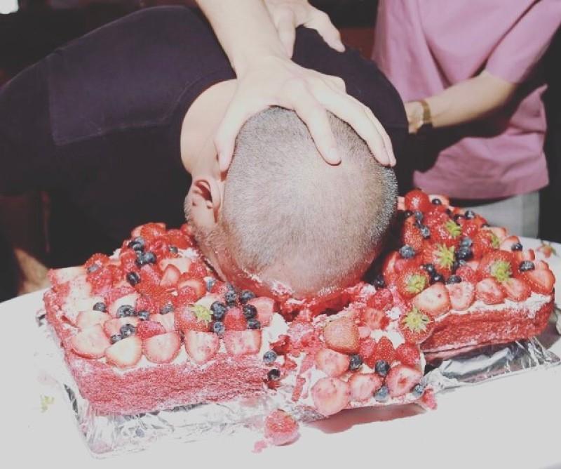 Днем рождения, картинки торт в лицо